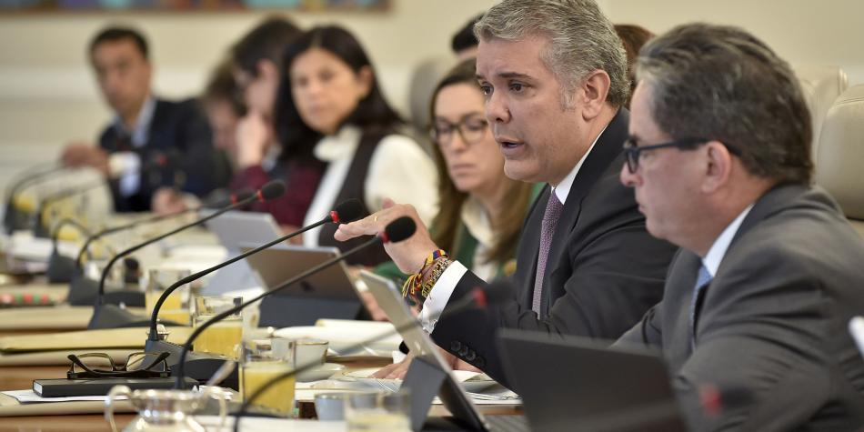 Colombia pide créditos por 14.000 millones de dólares por covid-19