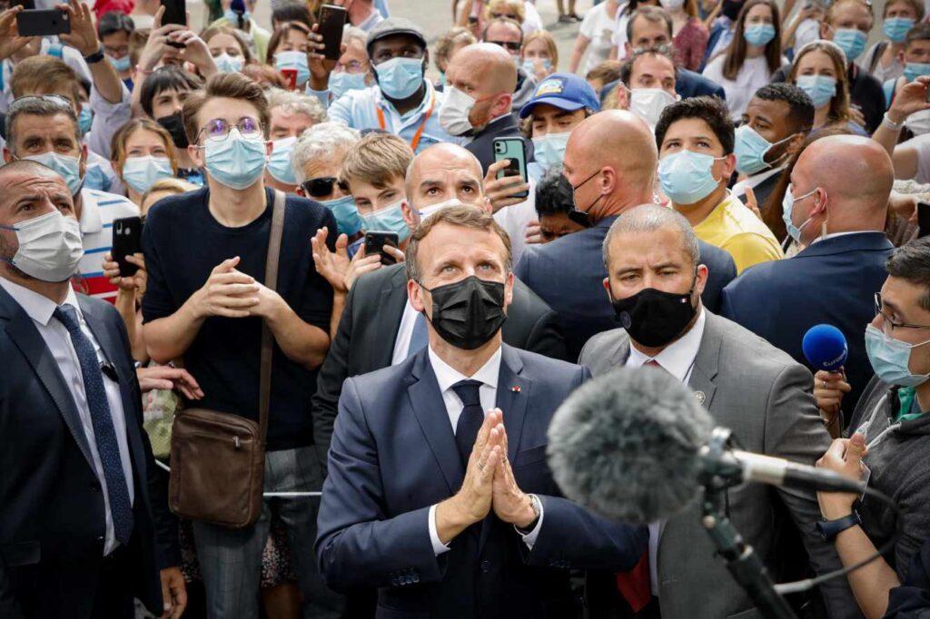 Dans les Hautes-Pyrénées, Emmanuel Macron défend son bilan économique
