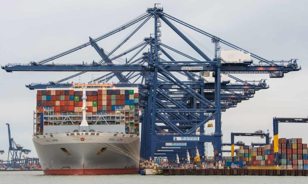 UK trade with EU falls sharply as Brexit and Covid drive down exports